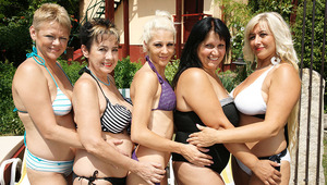 5 older and young lesbians go wild at the pool