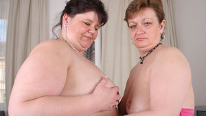 These huge older lesbians love to eat pussy
